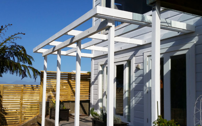 Red-Owl-painters-timber-pergola